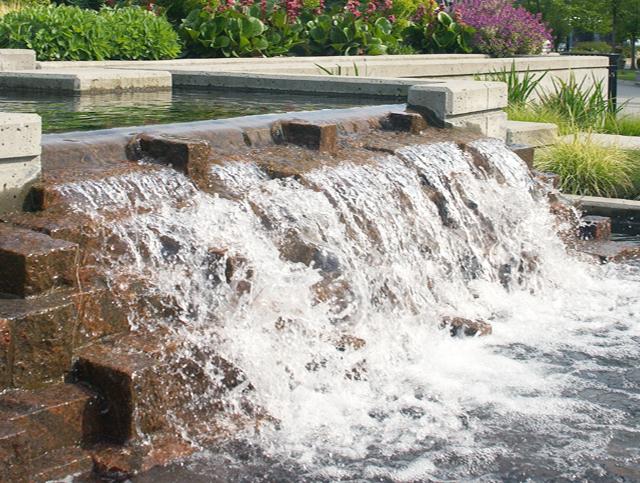 Bayshore Development water feature - Vincent Helton 2.jpg