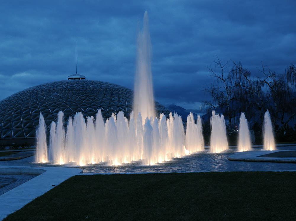 Queen Elizabeth Park Water Fountain - Vincent Helton 2.jpg