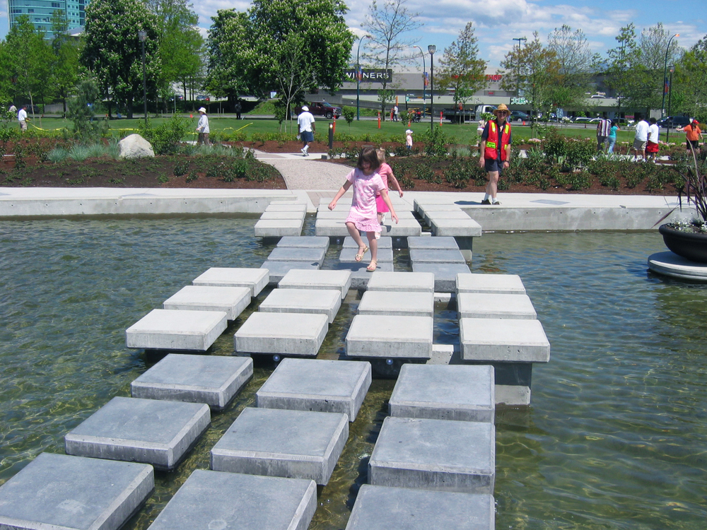 "HOLLAND PARK<a href=""/holland-park""></a><strong>SURREY BC</strong>"
