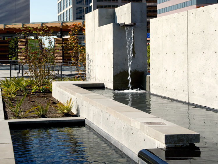 Bellevue City Hall water feature - Vincent Helton 5.jpg