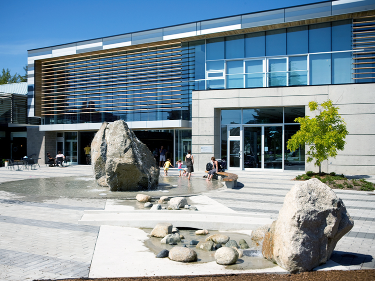 West Vancouver Aquatic Centre water feature - Vincent Helton 5.jpg