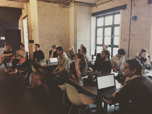 Super engaged Berlin community at @factoryberlin today! Thanks to @misskendrav for her talk on how to develop your professional pitch 🙌🇩🇪💻 #berlin #freelancefriday #freelance #creativebiz #solopreneur #remotework #likeaboss