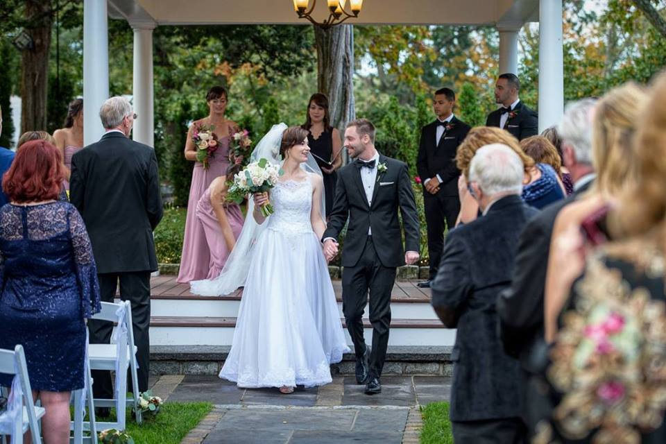 Allison and Tim Outdoor Ceremony 01.jpg