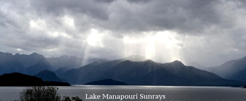 Lake Manapouri sunrays