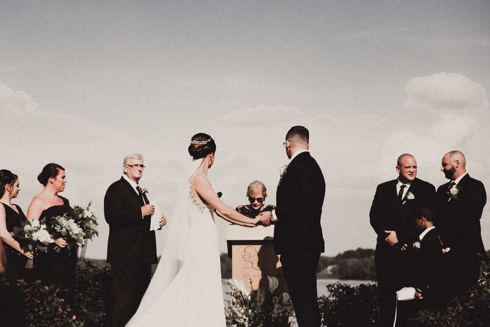 BUTLER, PA WEDDING PHOTOGRAPHER - 5W7A5773.jpg