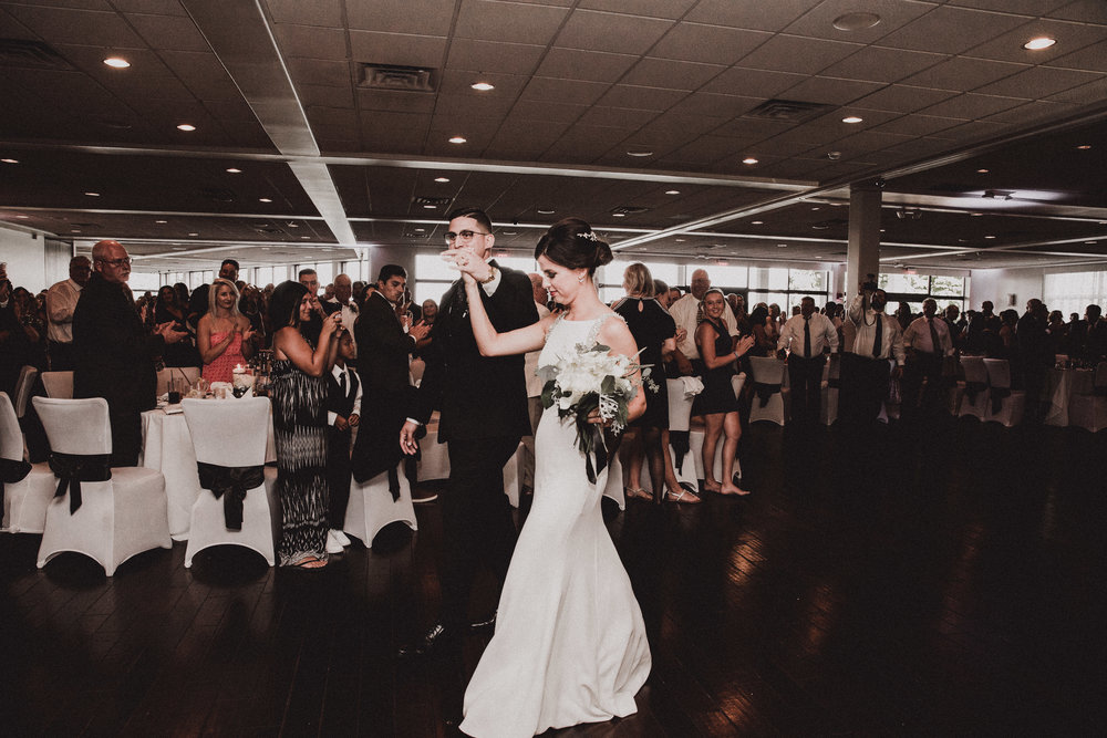 BUTLER, PA WEDDING PHOTOGRAPHER - 5W7A6027.jpg