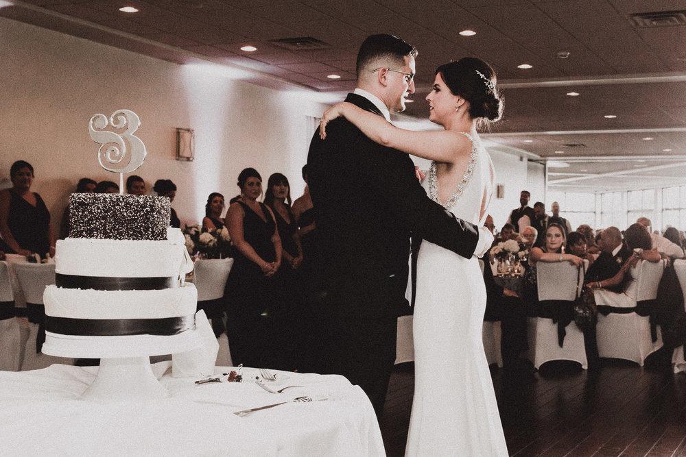 BUTLER, PA WEDDING PHOTOGRAPHER - 5W7A6052.jpg
