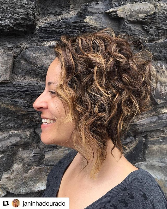 Love us some curls. . . By @janinhadourado (@get_repost) ・・・ Gorgeous curly Bob just because we love it 😍 @alinebridi • • #dublinhairstylist #thestudioie #curlyhair #curlybob #naturalcurls #dublinsummer #brasil #portoalegre #guaiba