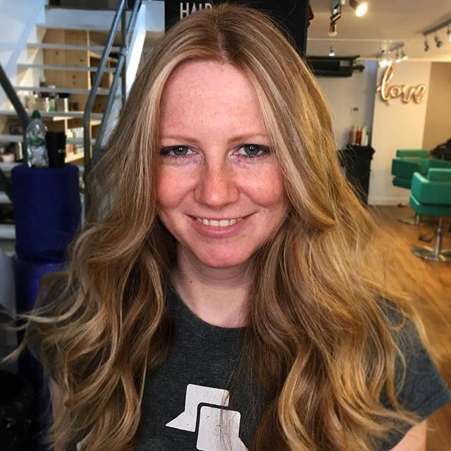 #Repost @fahbriciodejesus ・・・ #thestudiohair #thestudiofamily #ombrebalayage #hairstyles #dublinhairdresser #dublinhairstylist #dublinhairsalon #blondor #blondehair #blondebalayage #blondehighlights #wellaireland #wella #wellafamily #wellafreelights