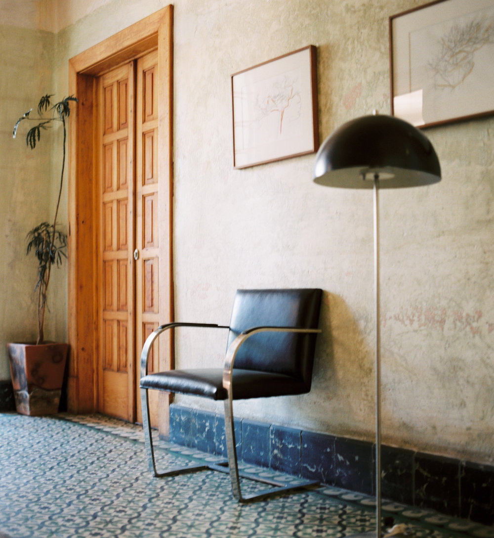 Mexico-City-Decada-Vintage-Furniture-Hallway-Chair-Lamp.jpg