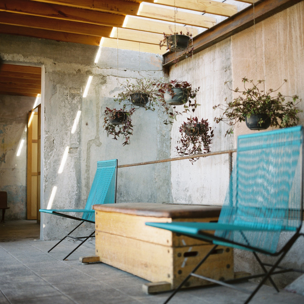 Mexico-City-Decada-Vintage-Furniture-Patio.jpg