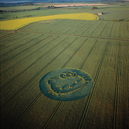 Gordon- as a part of Surface to Air- was commissioned to create a piece of artwork in celebration of the 30th birthday of Hello Kitty.   The result: a giant crop circle in Wiltshire, England.