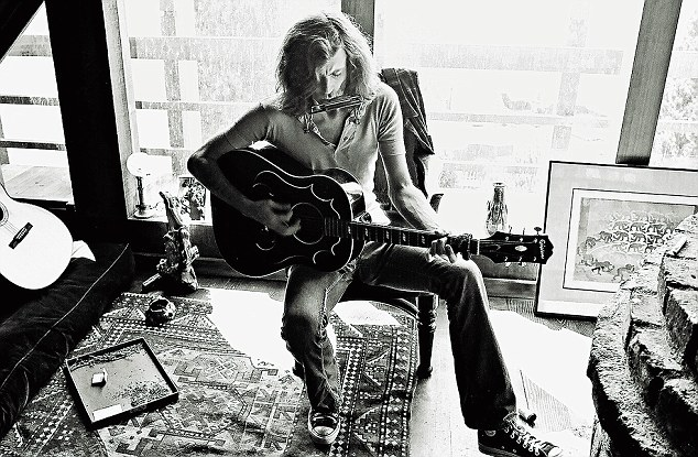 Graham Nash in his very, very fine house
