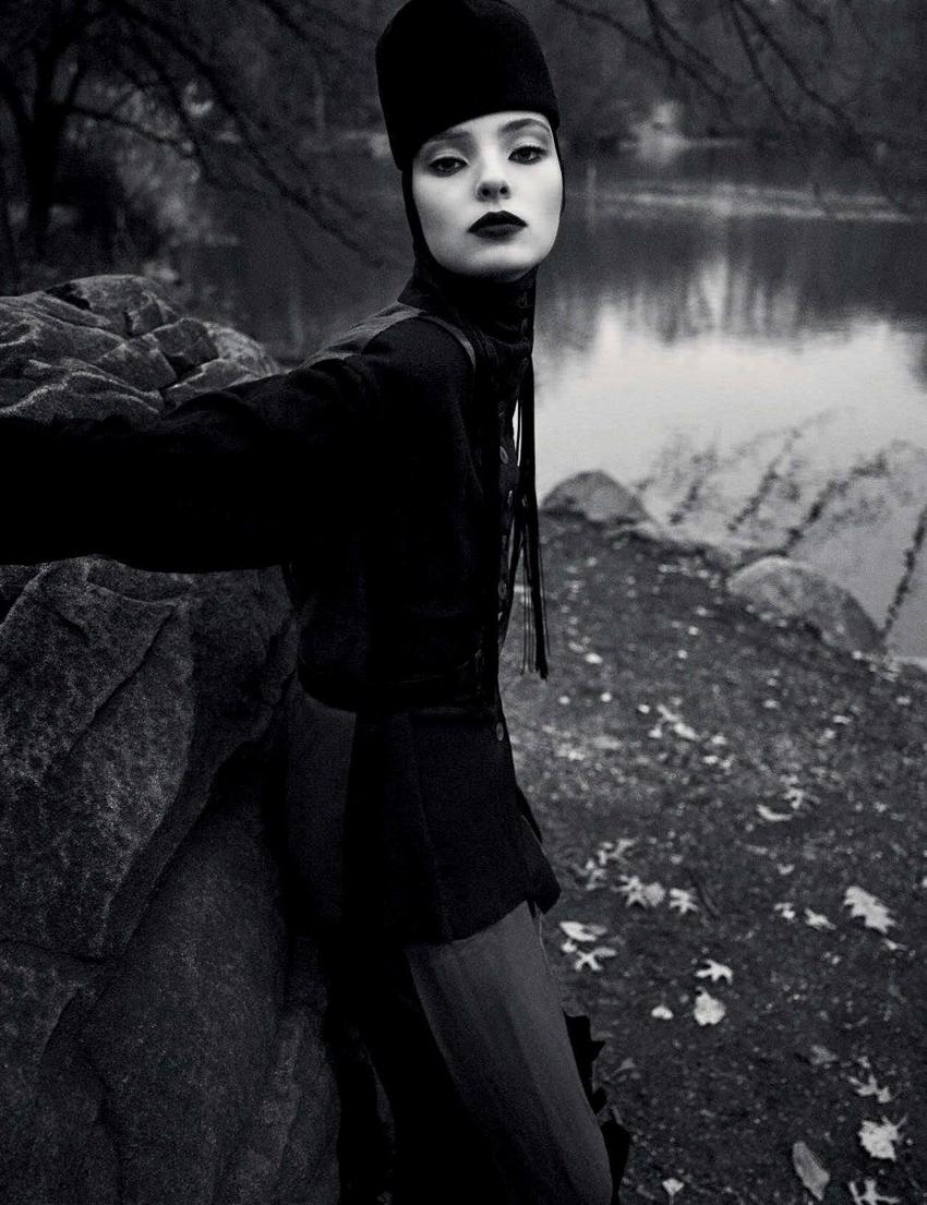black-white-fashion-editorial