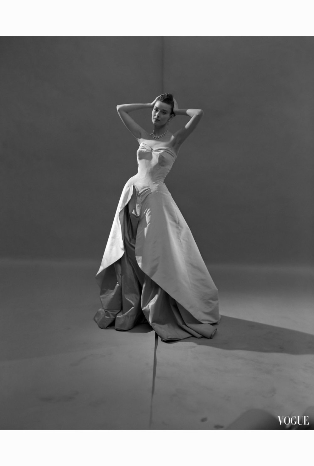 evening-dress-vogue-1948-c2a9-cecil-beaton-1948.jpg
