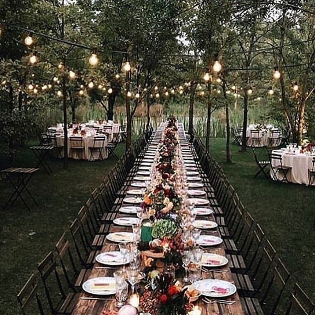 It's that time of year - where dining al fresco is enjoyable 🍁 Warm afternoons turn into cool evenings. Let us help you plan your #tablescape 🍽 📷: @countrylivingmag #mismatchedchina #vintagechina #countrylivingmag #alfrescodining #vintagetabletoprental #oklahomawedding #rentvintage #borrowdontbuy
