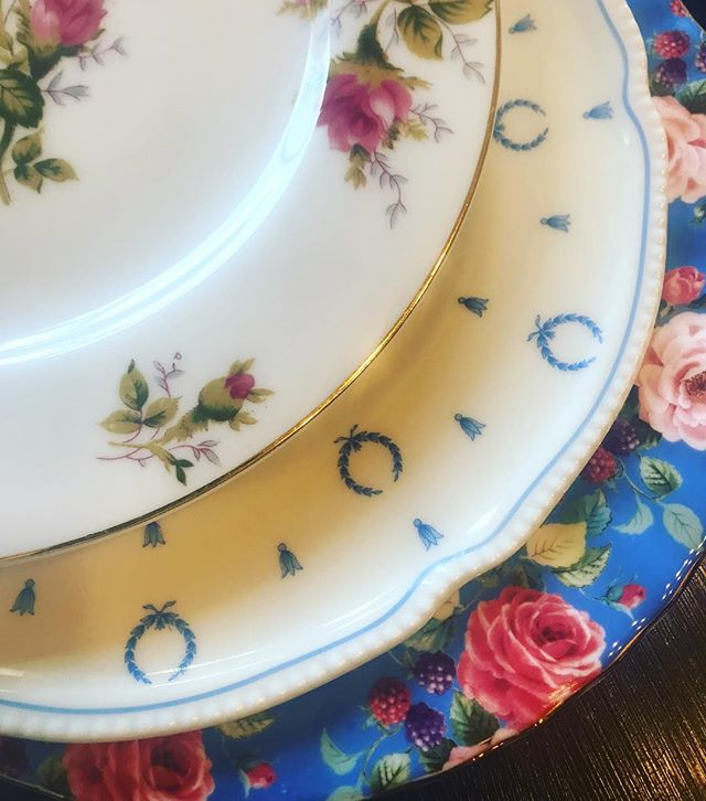 We've been busy this week prepping for a special wedding! Can't wait to share more details. #TGIT #mismatchedchina #oklahomawedding #bridesofok #rentvintage #borrowdontbuy #vintagetabletoprental