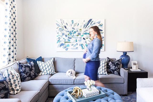 "I'm always so inspired when I get to photograph clients in their own houses. Y'all won't be surprised to learn that these ladies have some amazing style! . Case-in-point: how beautiful is @lizleewhite's home? We took these shots to showcase Liz's gorgeous custom art piece by @taelorfisherpainting for Taelor's new ""On the Wall Wednesday"" blog post series! . If you're like me and love hearing how a project goes from theory to execution, you're going to want to head to Taelor's blog and read all about it! 💕"