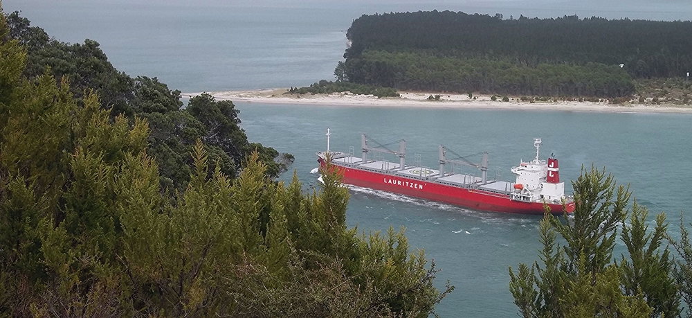 Port Tauranga, NZ: Bryan Miller