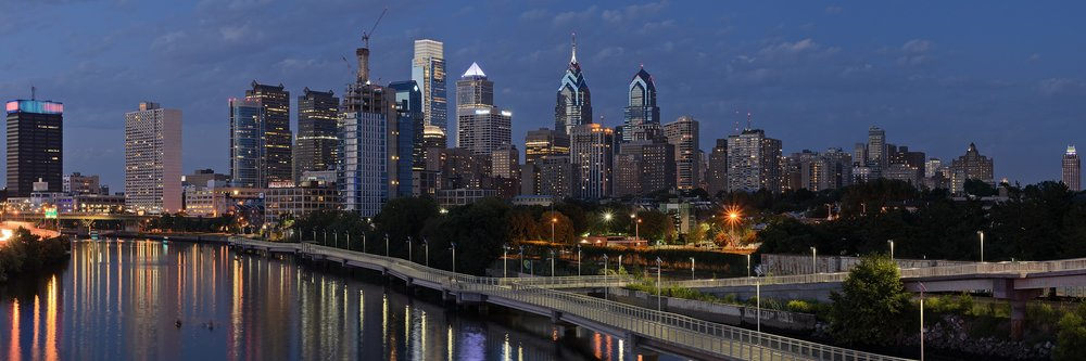 2880px-Philadelphia_from_South_Street_Bridge_July_2016_panorama_3b.jpg