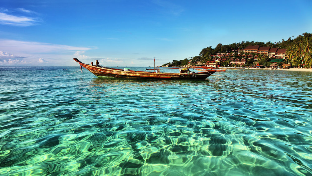 thailand-koh-phangan-crystal-clear-ocean.jpg