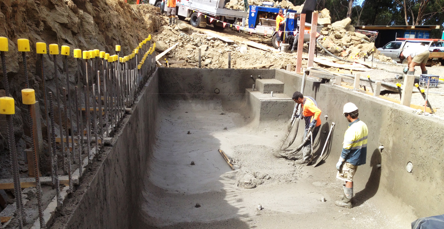 EXPERTS IN SWIMMING POOL CONSTRUCTION