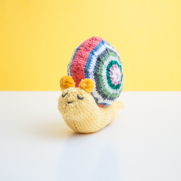 http://www.ravelry.com/patterns/library/sarah-maria-the-snail