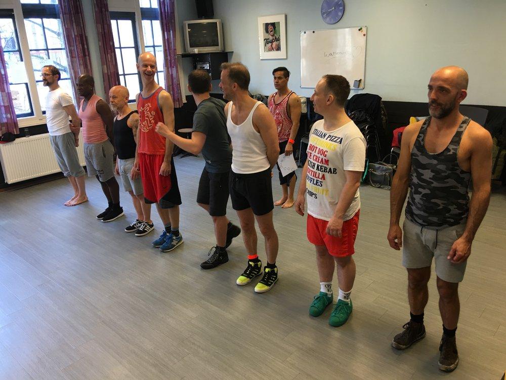 Veel choreografie is door de choreograaf thuis al bedacht.