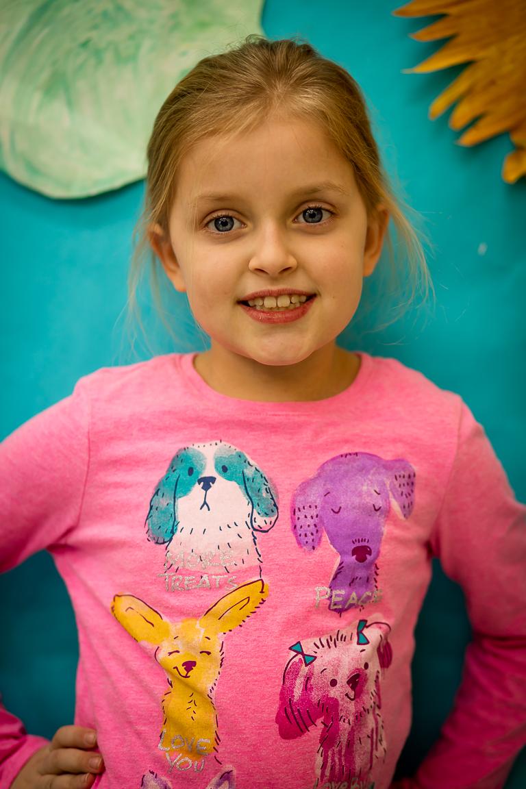 """Viktorija Bartunek (7 metai) - Viktorijos mėgstamiausias užsiėmimas yra šokti, ypač """"Barborytę"""". Mergaitei gražiausias lietuviškas žodis yra """"ugnis""""."""