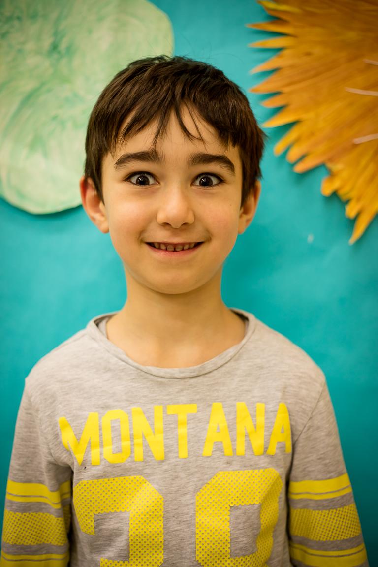 """Jokūbas Koubayati (6 metai) - Jam patinka skaičiuoti ir svarbiausias lietuviškas žodis, pasak Jokūbo, yra """"aš myliu"""". Jokūbas labiausiai mėgsta šokį """"Pasėjau kanapę""""."""