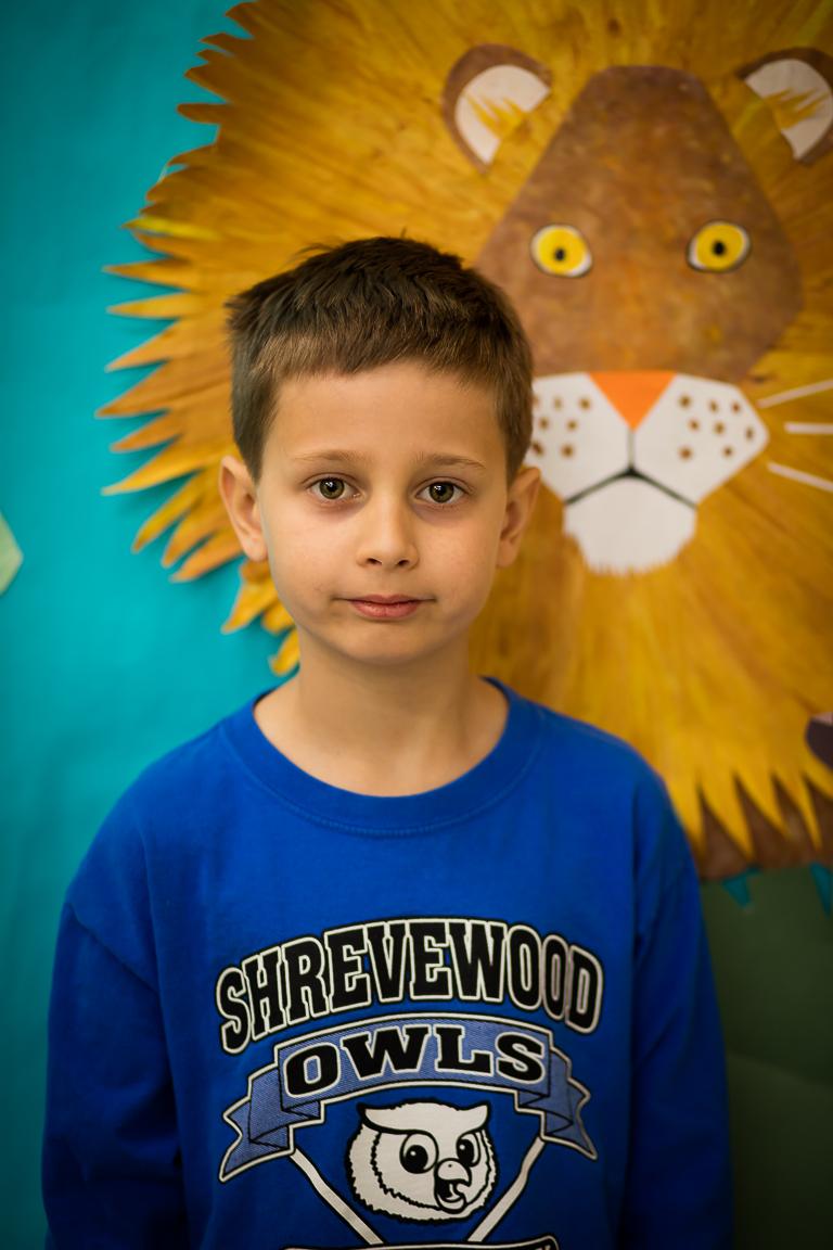 """Matas Stanis (7 metai) - Berniukas, nors nedrąsiai, bet prisipažįsta, kad jam patinka šokti. Ir geriausias lietuviškas žodis jam yra """"labas""""."""