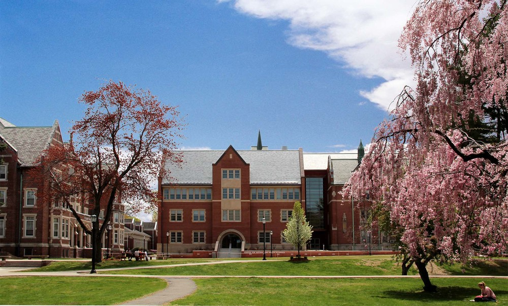 Elms College Life Science Center