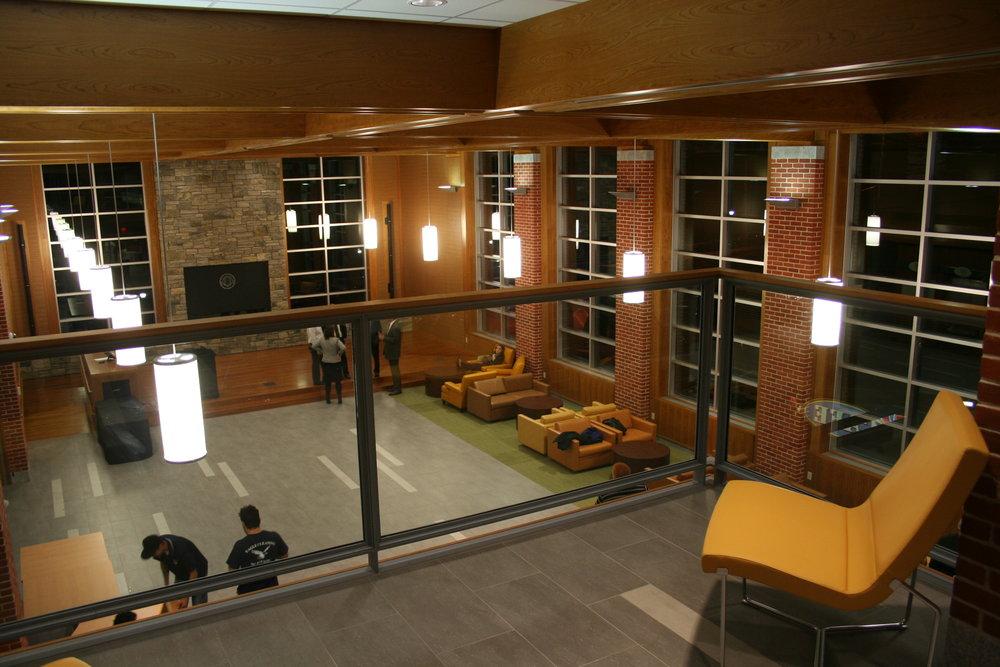 int main lounge 2.JPG