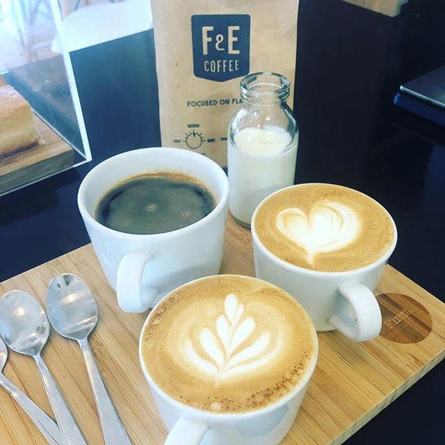 Great presentation from our friends over at @first.coffeeshop with our @fandecoffee #specialtycoffee #latte #flatwhite #americano ☕️☕️☕️
