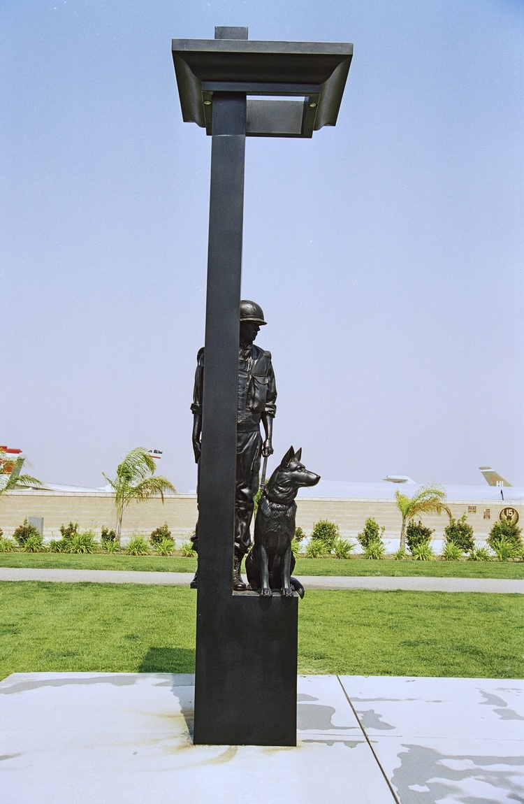 WAR+DOG+MEMORIAL-side.jpg