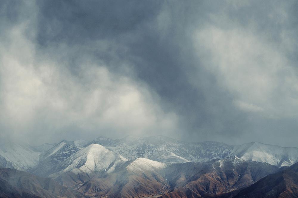 Storm Opposite Sera, Tibet