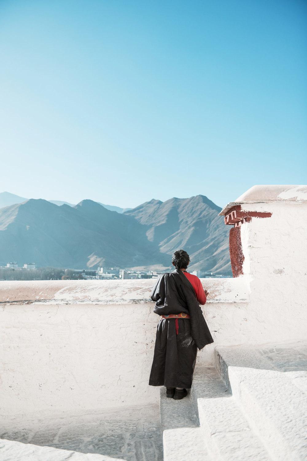 potala-tibet-pilgrim.jpg