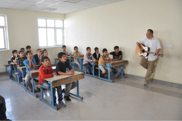 Teaching Kurdish Children American Songs