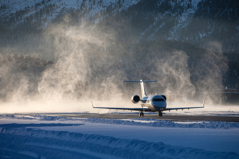 iStock_business_jet_winter_takeoff.jpg