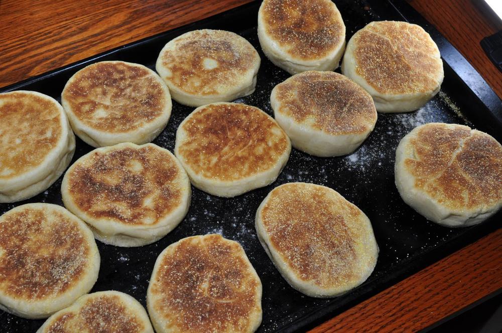 Mmm...English_muffins_(5393409247).jpg
