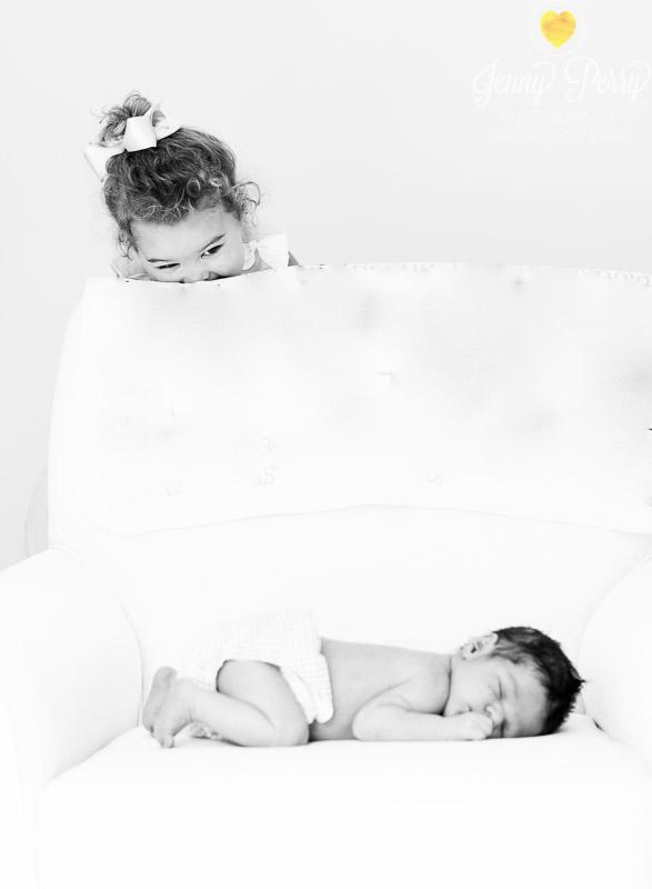 JennyPerryPhotography-ThomasGioiaNewbornWeb2015-7.jpg