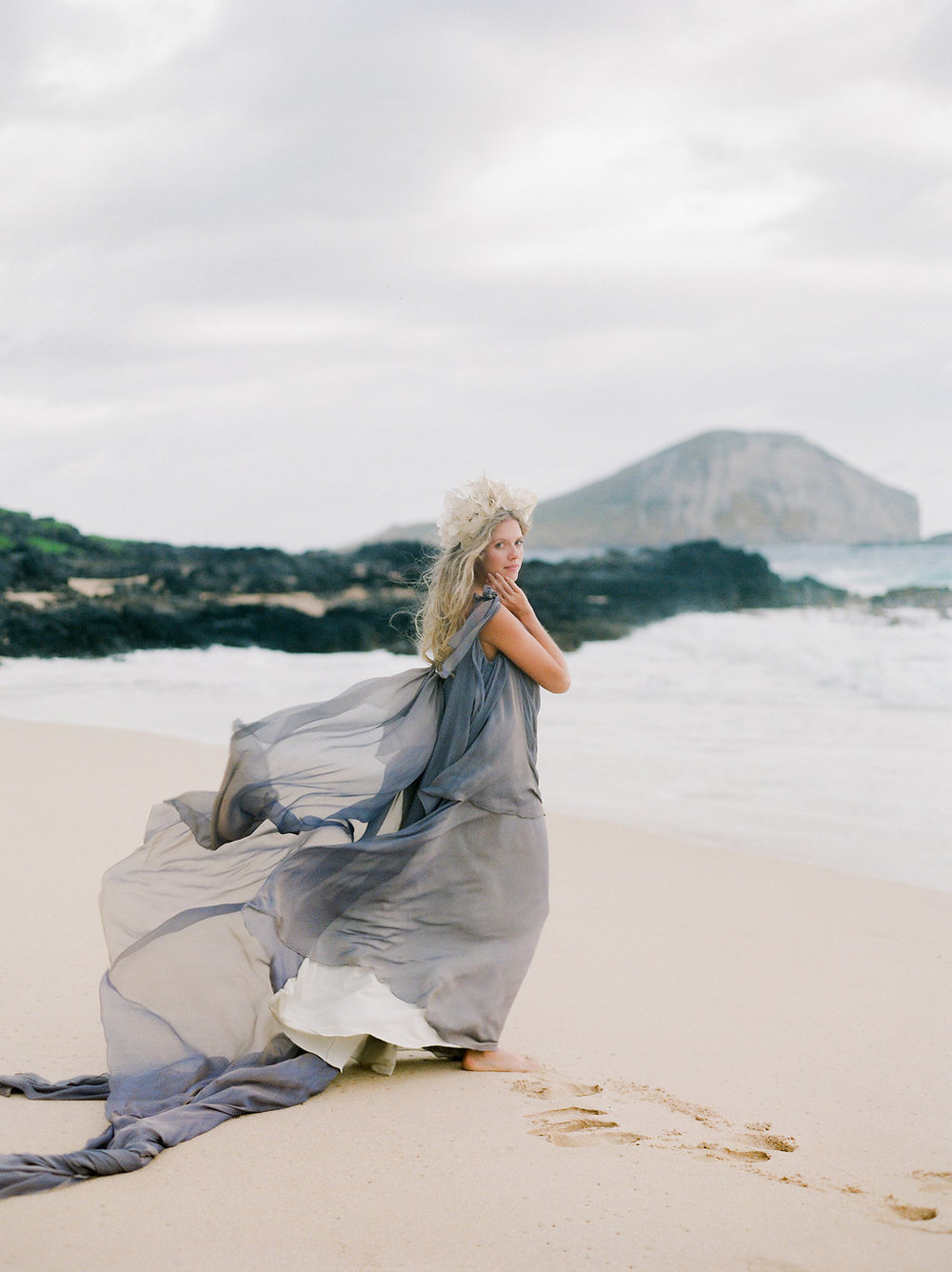 How to Style Your Tropical Elopement.jpg
