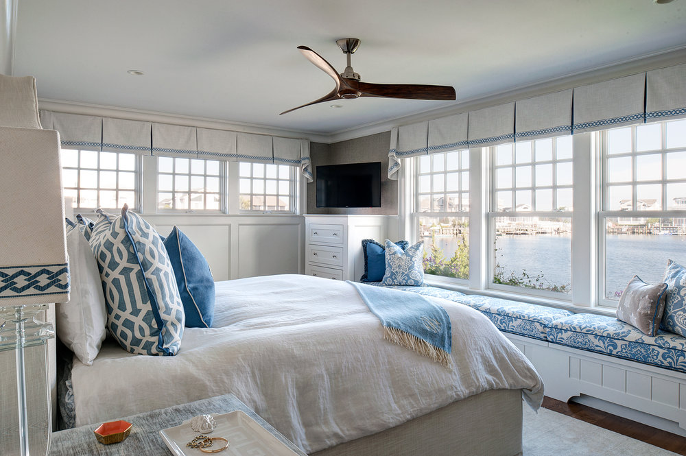 avalon_blue_bedroom_02.jpg