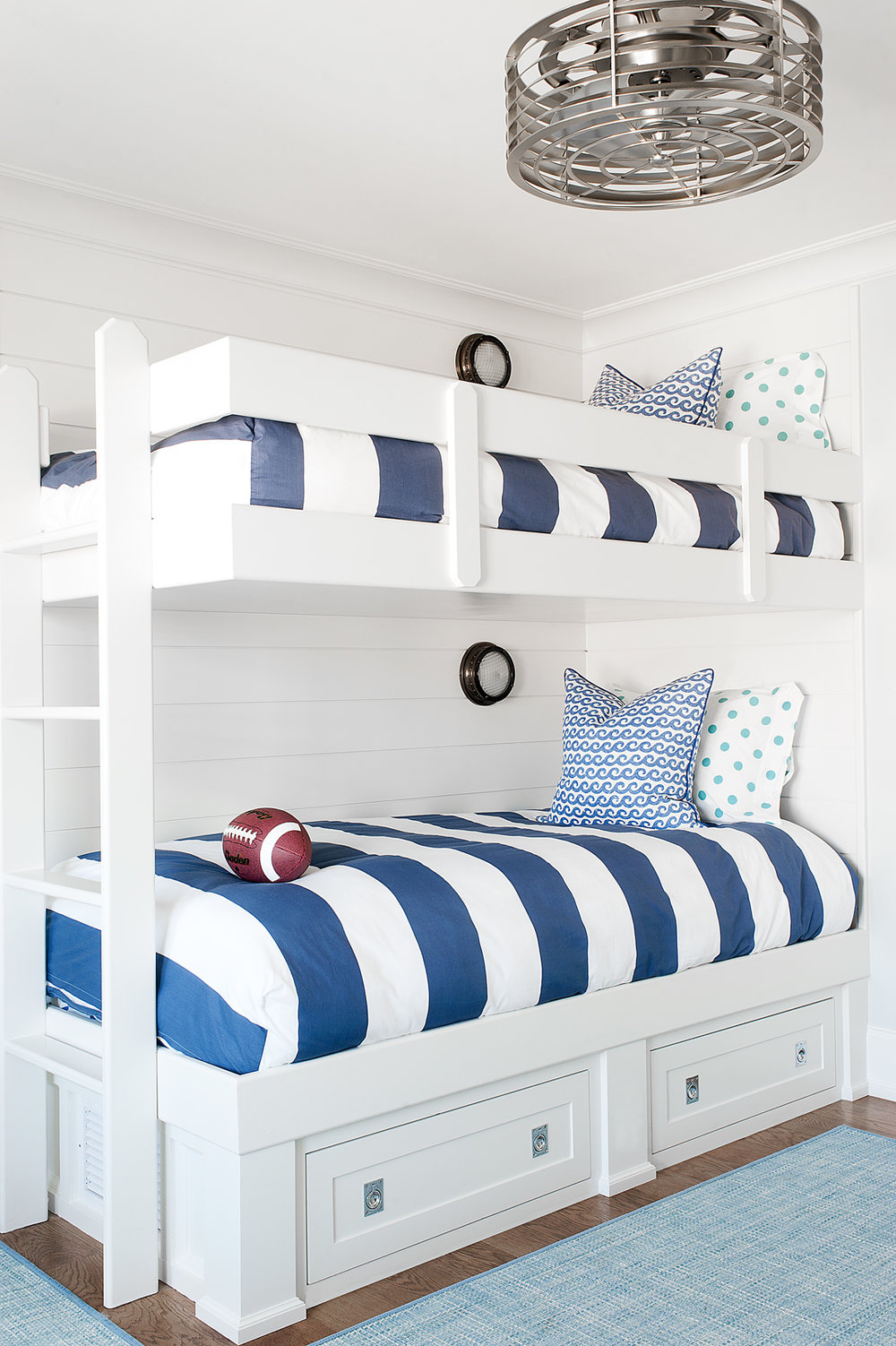 avalon_bunk_room_02.jpg