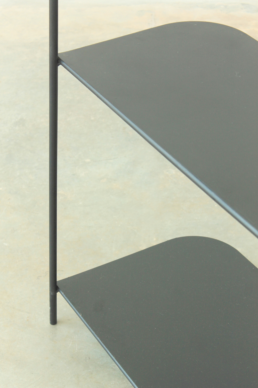 PY3   Estructura de varilla metálica Ø10mm  Dimensiones:  Módulos - 2200 x 1400 x 500  Valor $18720.- + I.V.A.   Terminación: pintura a horno