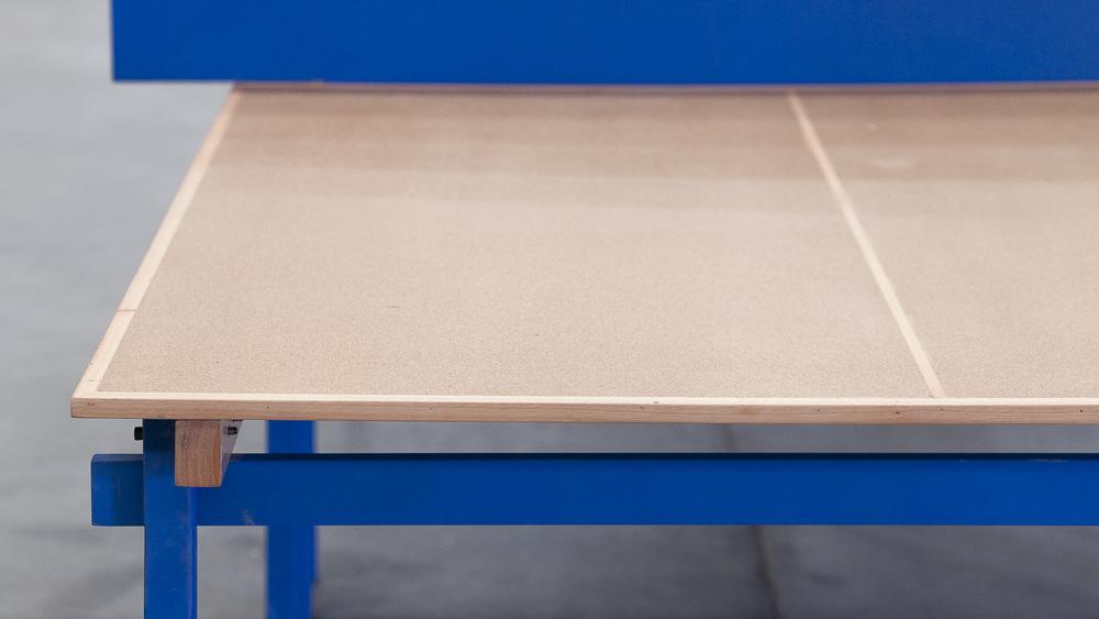 PNG PNG   Estructura metálica Placa aglomerado y madera de guatambú maciza  Valores: - 1525 x 2740 x 755  $20.720.- + I.V.A.    Material de erminación: laca poliuretánica satinada