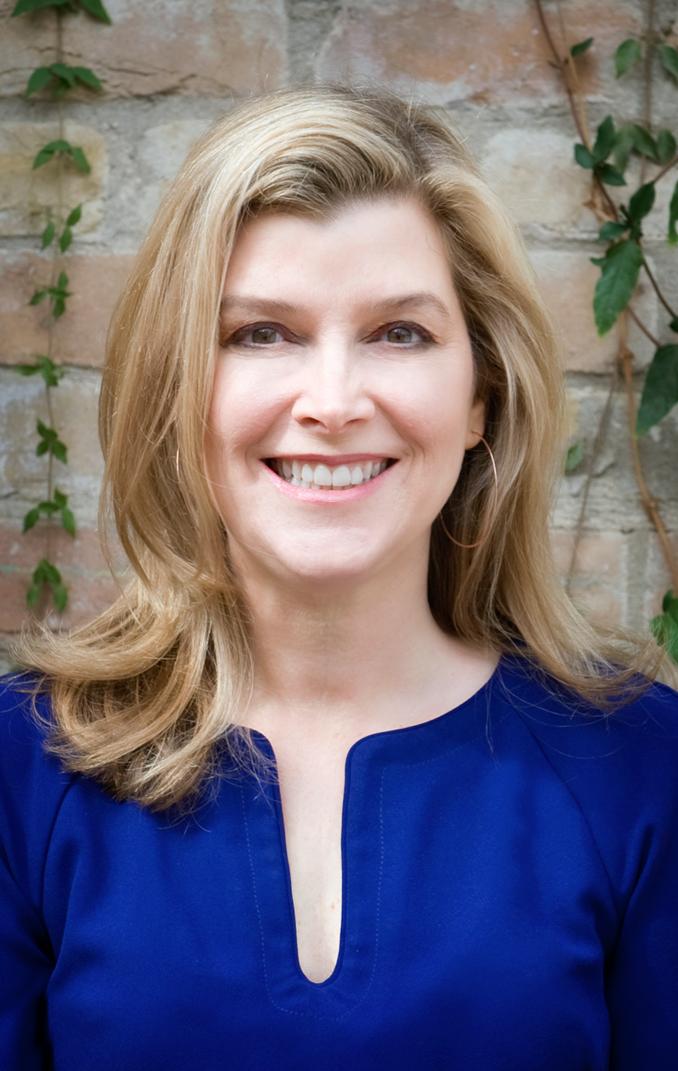 Lisa Pearson Headshot