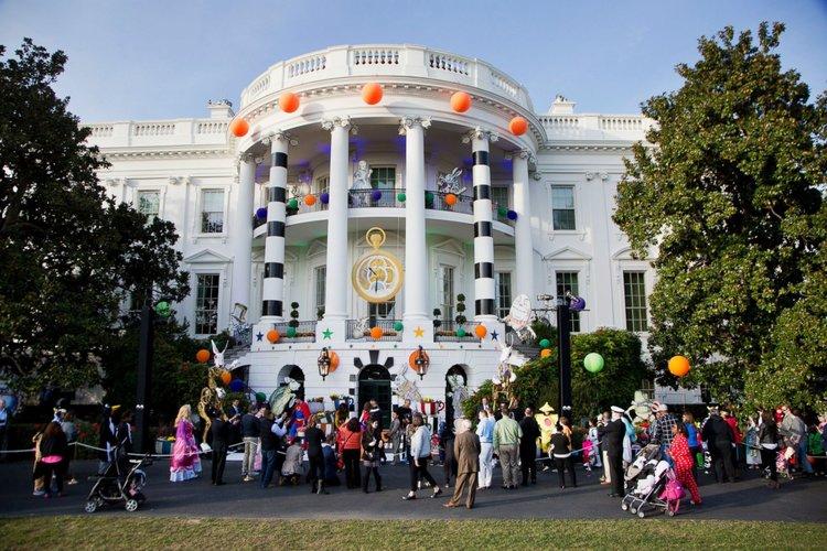 ap_white_house_halloween_9_er_161031_3x2_1600.jpg