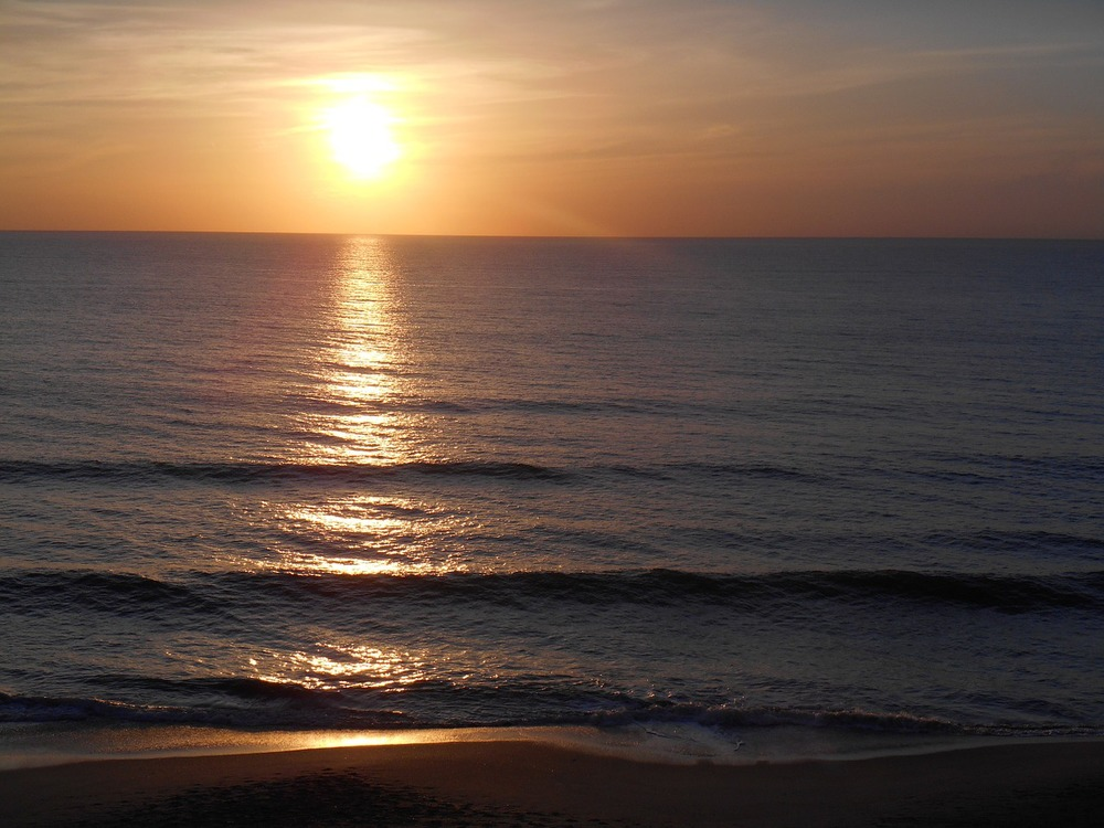 sunrise-711389_1280.jpg