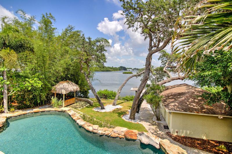 Dolphin Cove Villa 24.jpg
